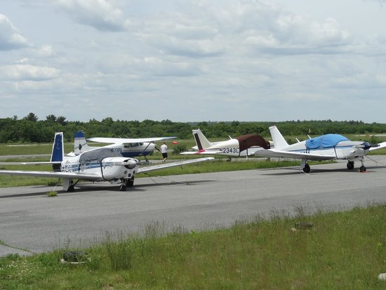 Boston Skydive Center: Aircraft that takes you up