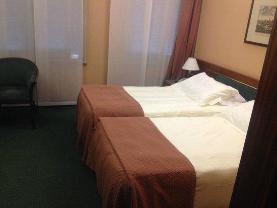 Crivis Hotel: Camera