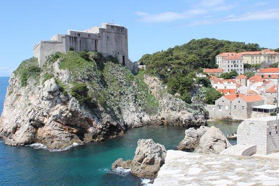 Tirena Hotel : Paysage des remparts de Dubrovnik