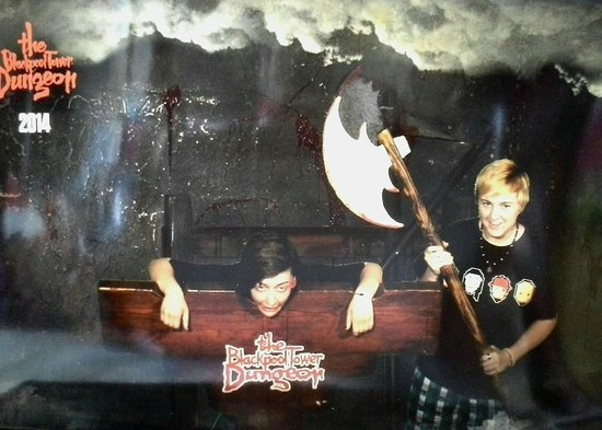 The Blackpool Tower Dungeon: Executing my girlfriend in the Dungeons for being a witch!