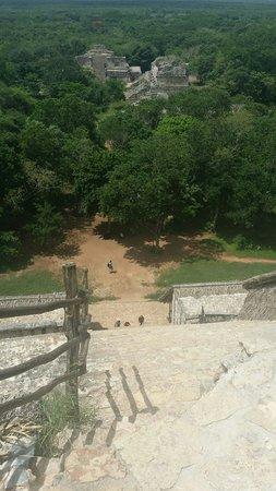 Ek Balam Mayan Ruins : Вид с пирамиды на комплекс