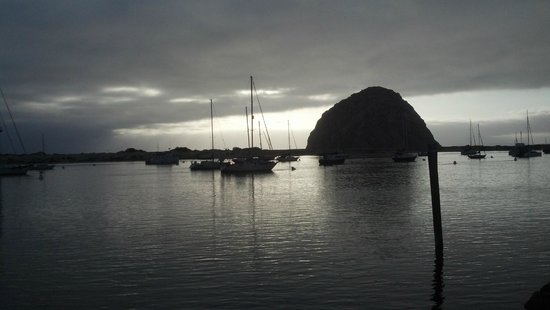 456 Embarcadero Inn & Suites: Morro Bay Rock and Harbor