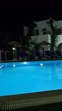 Filis Otel: filis hotel pool