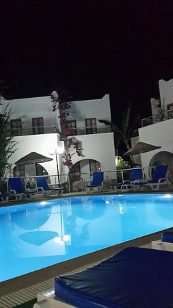 Filis Otel: pool filis