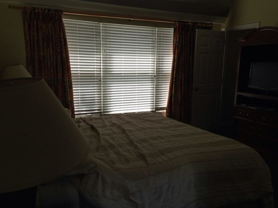 Holly Tree Resort: Bedroom in the one bedroom suit