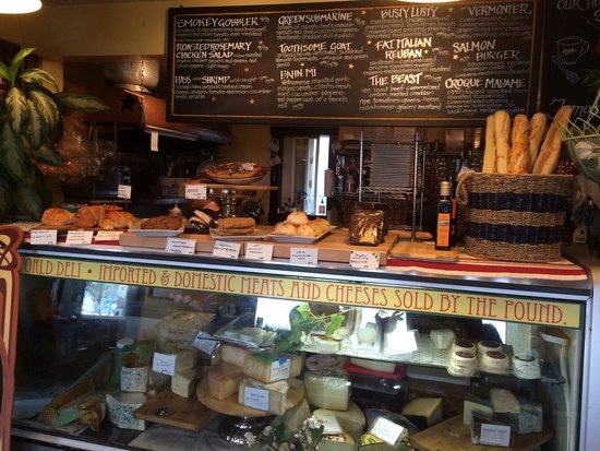 Maura's Cafe and Deli: Little French bakery with great selection of cheeses (Fromage) and fresh baked Baguettes and cro