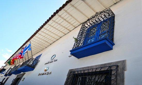 Hotel Costa Del Sol Ramada Cusco: Fachada del hotel