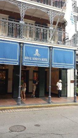 Royal Sonesta New Orleans: outside
