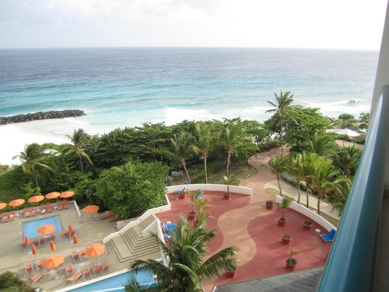 Hilton Barbados Resort: The view of the fort area and pool from our room