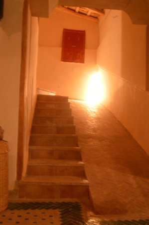 Dar Jnan Tiouira: Escalera con rampa...subida al mirador de las estrellas