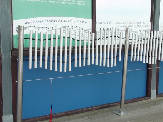 Bournemouth Beach: Musical chime-Boscombe Pier