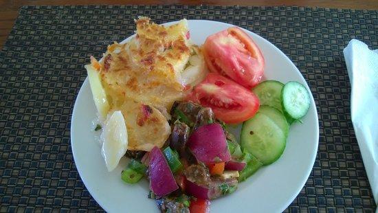 Tiran Island Hotel: dining