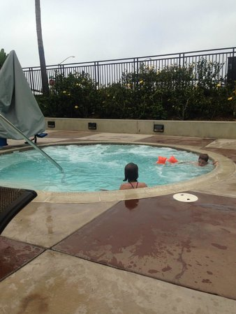 Carlsbad Seapointe Resort: Huge hot tub