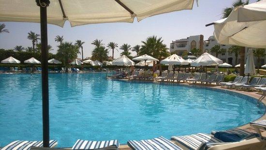 Tiran Island Hotel: the pool