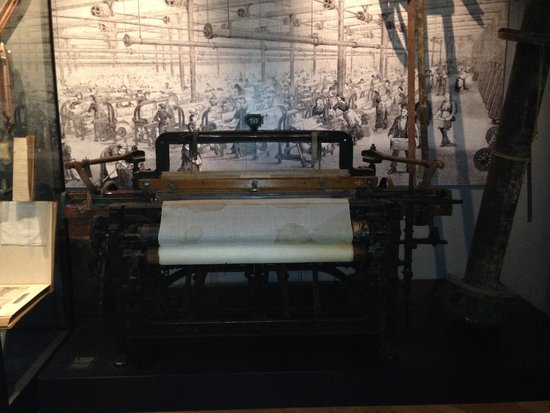 Musée national : An Old Sewing Machine