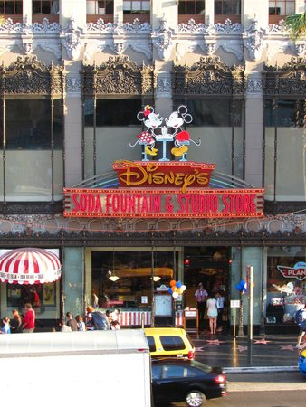 Disney Studio Store & Ghirardelli Soda Fountain: Disney Soda Fountain