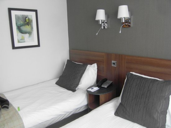 Best Western Cresta Court Hotel: room 209