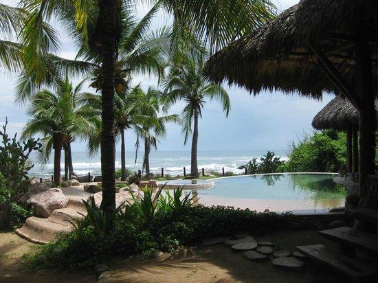 Casa Viva Troncones: pool area
