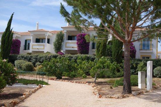 Vale d'El Rei Suite & Villas Hotel: vue du parc