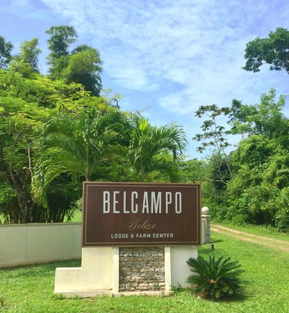 Belcampo Lodge : The resort entrance from Wilson Road.
