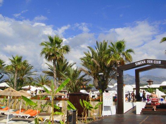 Simena Sun Club : пляж
