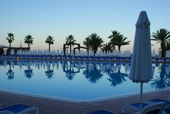Simena Sun Club : бассейн