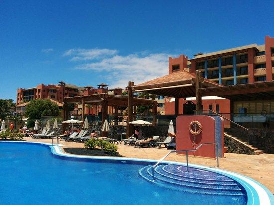 H10 Tindaya Hotel : Vista dalla piscina