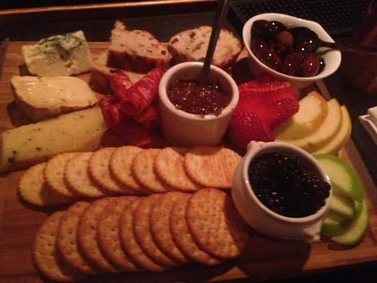 Timo: Ok, im no pro photographer, but any cheese plate that has me pulling out my camera... wow!