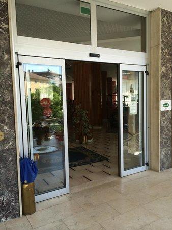 Hotel Clipper: ...