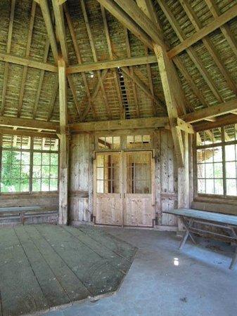 Memorial National des Justes - La Clairiee des Justes: le pavillon de chasse