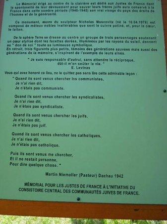 Memorial National des Justes - La Clairiee des Justes: Ecriteau dans la clairière