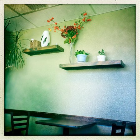 Bella Rosa Coffee House: Inside the cafe