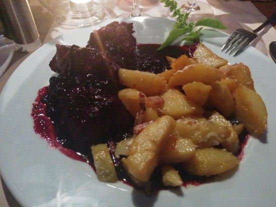 Restoran Lanterna na Dolcu: filetto con mirtilli.