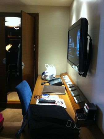 Radisson Blu Edwardian Kenilworth Hotel : Plenty of room to work