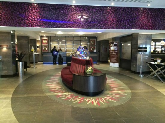 DoubleTree by Hilton Hotel London - West End: Reception