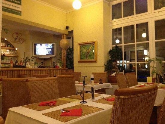 Loving Hut: Im Restaurant