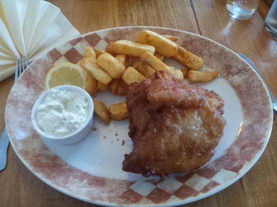 Cafe Fish: Peas were late but look at those chips!