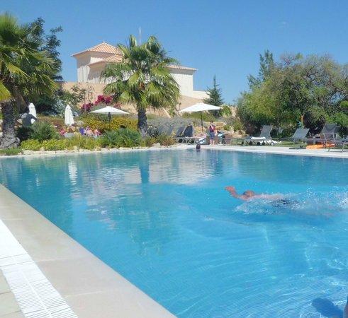 Pinheiros da Balaia Villas: piscine