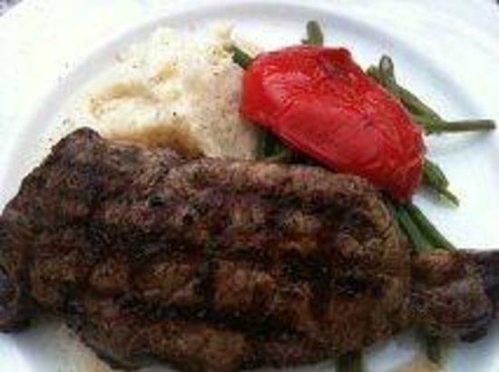 Vieux-Port Steakhouse: Delicious NY Striploin