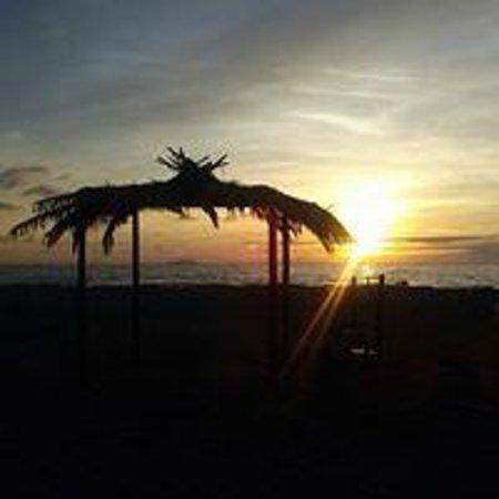 Hotel Club Resort Regina del Mare: tramonto in spiaggia