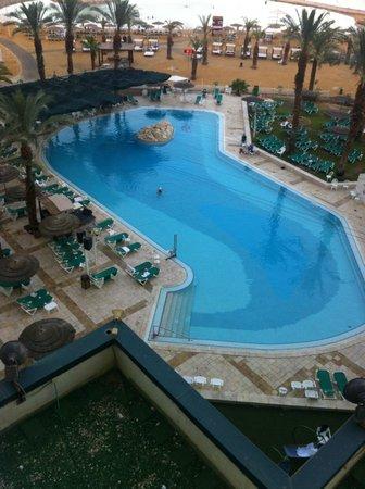 Leonardo Club Dead Sea Hotel : Pool - view from room