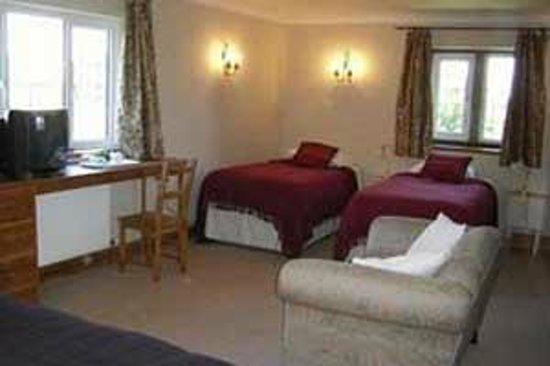 Whiteways Bed & Breakfast: Family Room