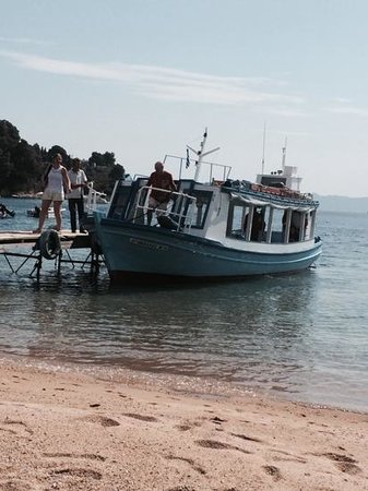 Kanapitsa Mare Hotel & Spa: the water taxi at nostos beach