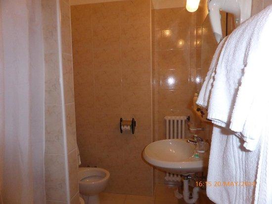 Grand Hotel Des Anglais: baño