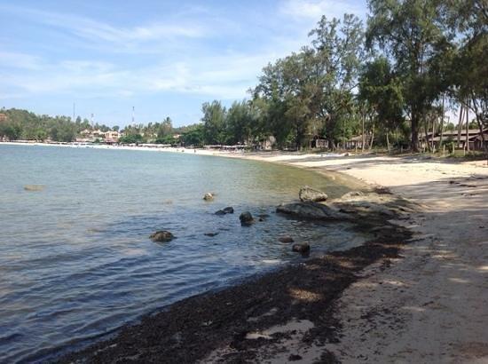 Royal Muang Samui Villas: At other end of Chaweng Beach