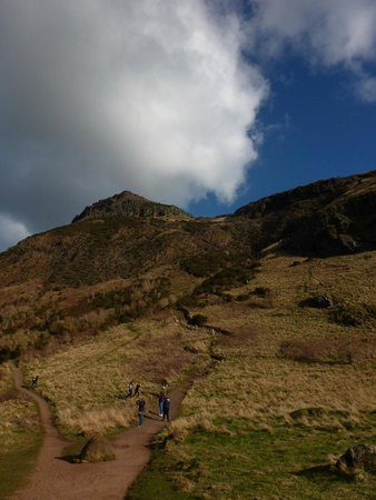 Arthur's Seat: Hiking up