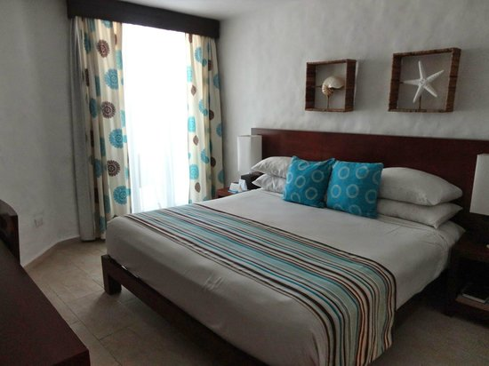Grand Paradise Playa Dorada: Comfy bed