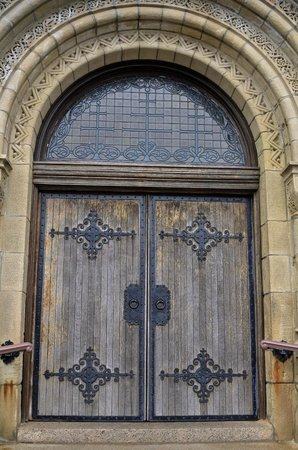 Pilgrim Memorial State Park : Front doors to the First Church in Plymouth