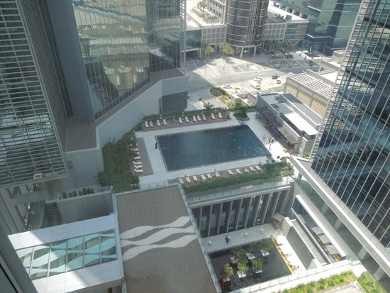The Oberoi, Dubai: POOL VIEW ROOM