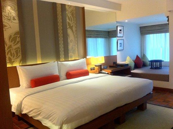 Outrigger Laguna Phuket Beach Resort: Deluxe Room Lagoon view